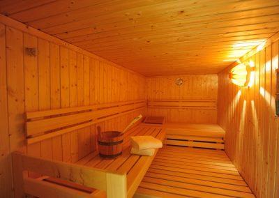 Entspannen Sie doch in der Sauna wann immer Sie mögen.