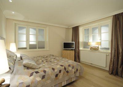 In den vier Schlafzimmern stehen Doppelbetten und Flachbildschirme zur Verfügung