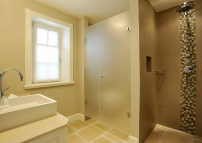 Für jedes Schlafzimmer ist ein eigenes, edes Badezimmer vorhanden