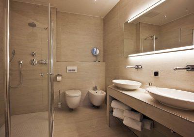 Erfrischend anders ist das moderne und ansprechende Badezimmer