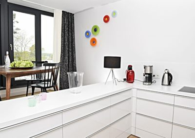 Viel Arbeits- und Abstellfläche in der Küche