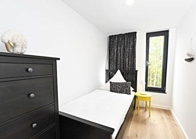 Ein zweites Schlafzimmer mit Einzelbett