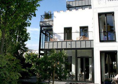 Garten, Terrasse, Balkon, oder Dachterrasse. Die Villa bietet alles.