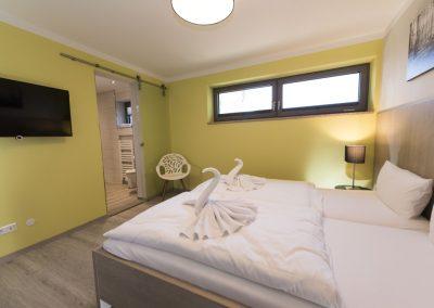 Schlafzimmer 3 mit Doppelbett und Bad en suite