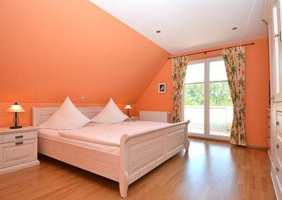 Zwei Schlafzimmer mit Zugang zur großen Dachterrasse