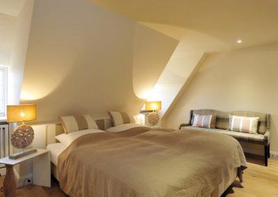Eines von zwei Schlafzimmern im Obergeschoss