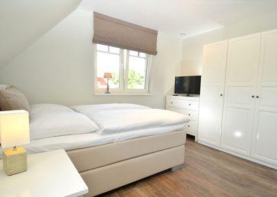 Ein Flachbildschirm steht auch im Schlafzimmer 2 zur Verfügung