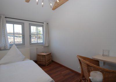 Für eine 5. Person steht im Obergeschoss ein Einzelbett bereit.