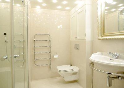 Ein zweites Duschbad sorgt für mehr Privatsphäre.