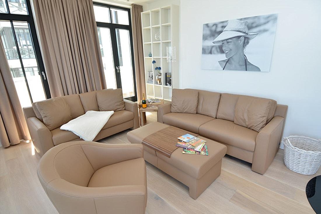 ferienwohnung charlotta in sellin r gen mit meerblick und. Black Bedroom Furniture Sets. Home Design Ideas