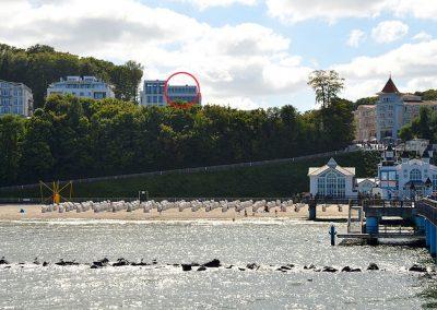 Auch von der Seebrücke hat man die erhabene Villa stets im Blick