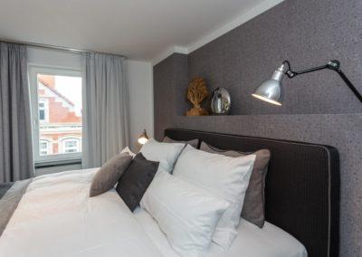 Königlich schlafen im handgefertigten Luxusbett von De Royce