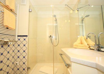 Das feine Duschbad mit Handtuchheizkörper