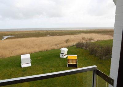 Spektakulärer Meerblick aus dem Fenster im Wohnbereich der Wohnung