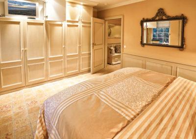 Ein eigener Flachbildschirm befindet sich auch im Schlafzimmer