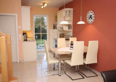 Der zweite Koch- und Essbereich im separaten Haustrackt.