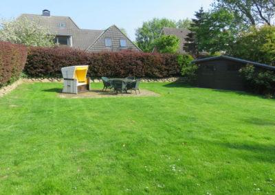 Viel Platz und Sichtschutz bietet auch der Garten.