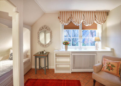 Viel Platz bietet auch das Schlafzimmer mit Alkovenbetten