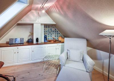 Im Dachgeschoss lädt eine Teeküche zum entspannen ein.