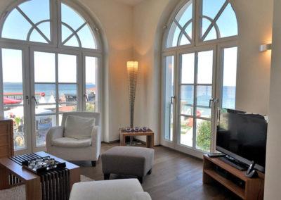 Beeindruckender Meerblick aus allen Fenstern im Wohnbereich.