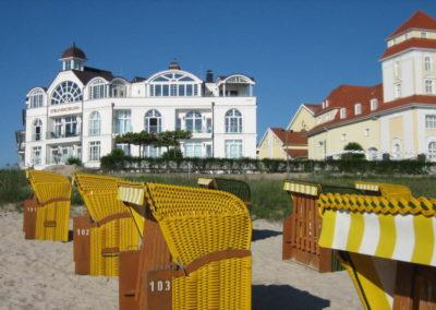 Am Badestrand steht unseren Gästen ein persönlicher Strandkorb zur Verfügung.