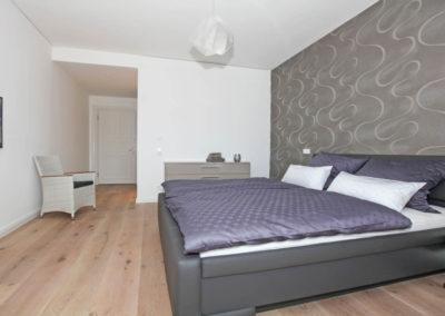 Beide Schlafzimmer sind mit hochwertigen Boxspringbetten und komfortablen Matratzen ausgestattet.