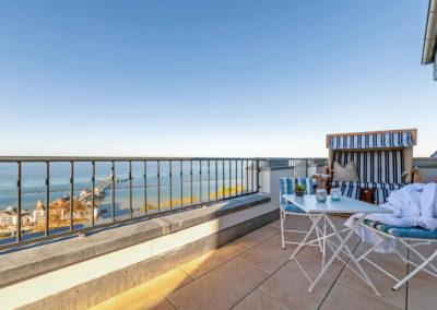 Das Meer aus dem Strandkorb vom Balkon aus genießen.