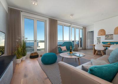 Modern und gemütlich ist der Wohnbereich konzipiert.