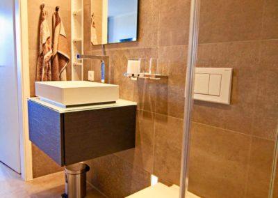 Kuschelige Hand- und Badetücher von Joop stehen zur Verfügung.