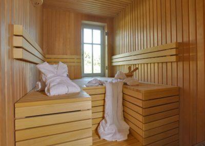 Entspannen Sie in der hauseigenen Sauna.