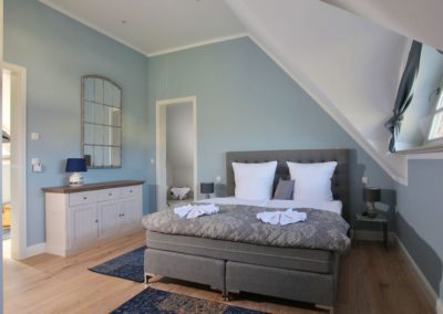 Das komfortable Doppelbett im Obergeschoss...
