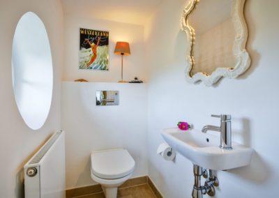 Das separate Gäste- WC im Erdgeschoss des Hauses.